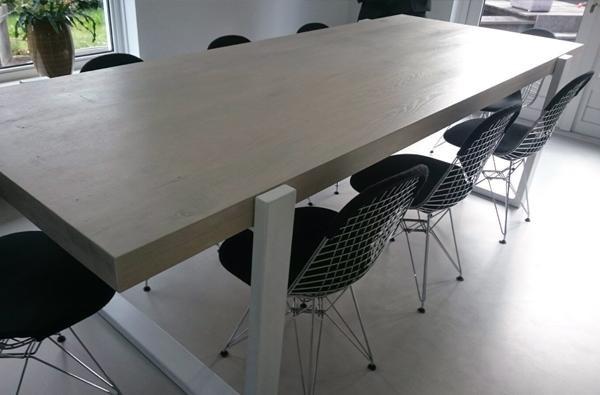spuiten van meubelen